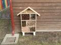 Včelky vyrábějí hmyzí domeček podzim 2017